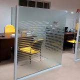 adesivo jateado para sala corporativa Vila Moraes